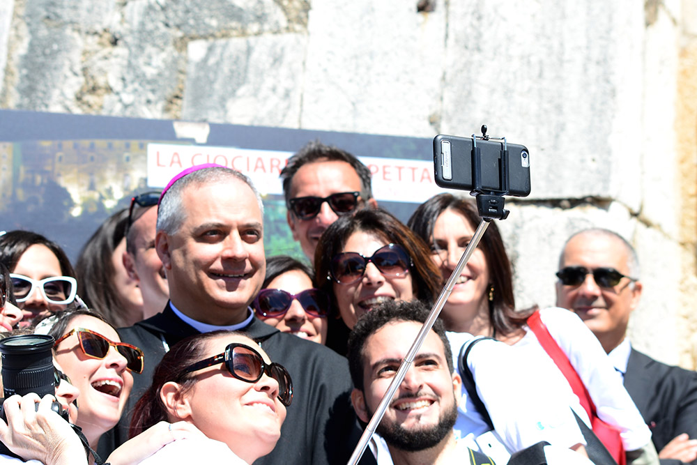 selfie3-abbot-monte-cassino-abbot