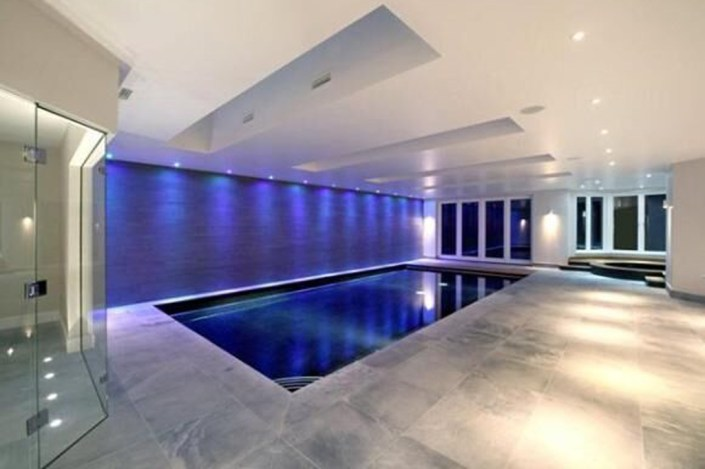 Swimming Pool lighting by Sam Coles Lighting