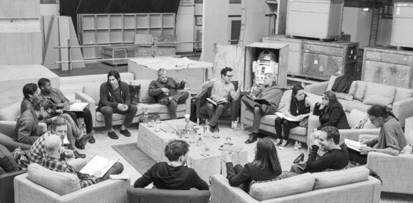 April 29th, Pinewood Studios, UK – Writer/Director/Producer J.J. Abrams (top center right) at the cast read-through of Star Wars: Episode VII at Pinewood Studios with (clockwise from right) Harrison Ford, Daisy Ridley, Carrie Fisher, Peter Mayhew, Producer Bryan Burk, Lucasfilm President and Producer Kathleen Kennedy, Domhnall Gleeson, Anthony Daniels, Mark Hamill, Andy Serkis, Oscar Isaac, John Boyega, Adam Driver and Writer Lawrence Kasdan. Ph: David James © Lucasfilm Ltd. & TM. All Rights Reserved