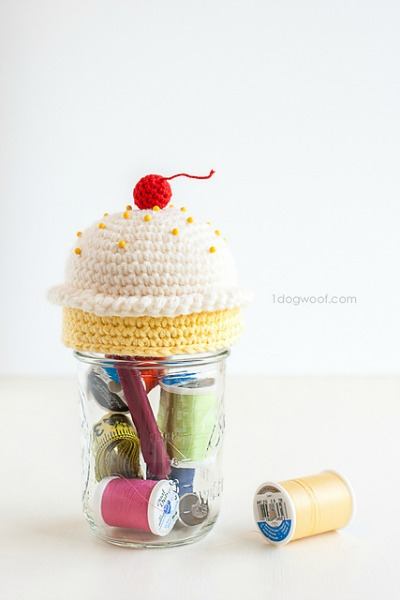 Cupcake Pincushion Mason Jar Topper