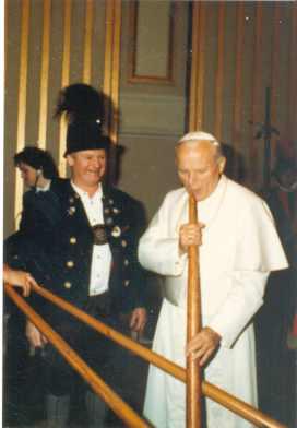 PapstJohannesPaulIImitAlphornundPeter