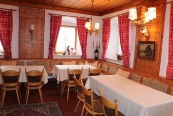 In der früheren Hauskammer finden 30 Personen ihren Platz für den kleinen Geburtstag, die Tauf- oder Kommunionfeier