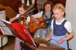 kl-Mit Geige bei Volksmusikwoche