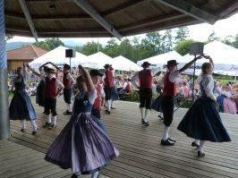 Die Wochtstoana Hohenwarth zeigten die Tanzfolge.