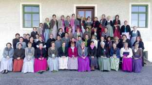 kl-Roeckefrauen_Gruppenbild
