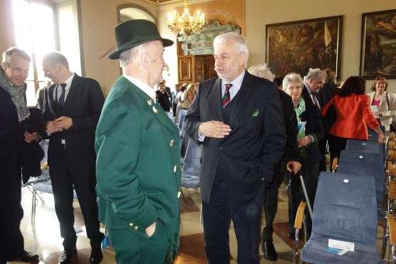 kl-Dialog mit Otto und Dr Henker