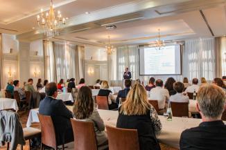 Oswald Pehel, Geschäftsführer des TOM e.V., spricht über die Relevanz der Gästeführer als Botschafter einer Destination