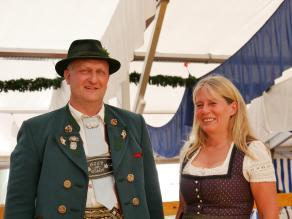 sie halten zusammen - 1. Vorstand Sepp Dickl und Bürgermeisterin Doris Laban