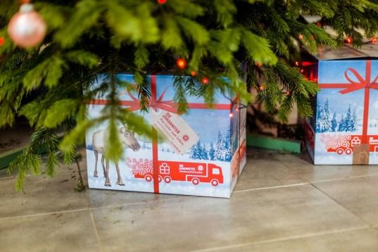 201112 - Johanniter_Weihnachtstrucker_Paket_NicoleEndres