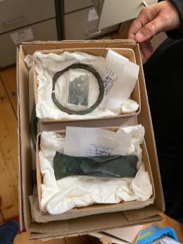 Die verschollenen Original Bronzefunde sicher gelagert im Archiv des HGV Aschau (Foto: Prof. Dr. Mehler)