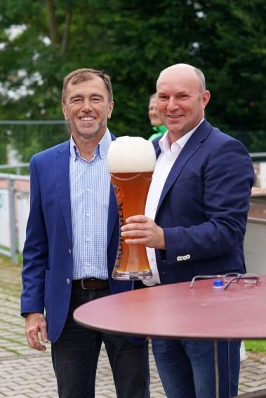 Josef Westermeier und Georg Hanslmaier bei der offiziellen Saisoneröffnung.