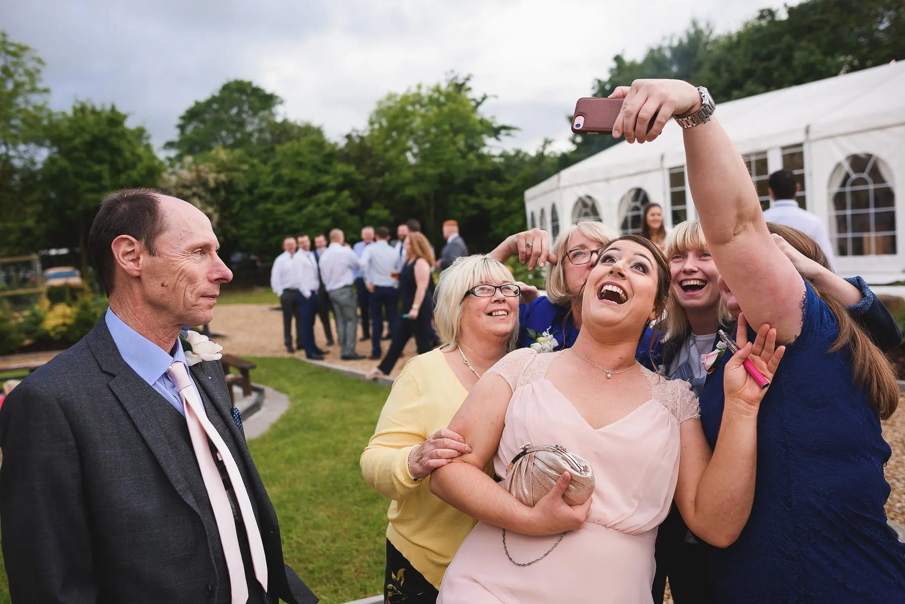 funny wedding selfie 2018