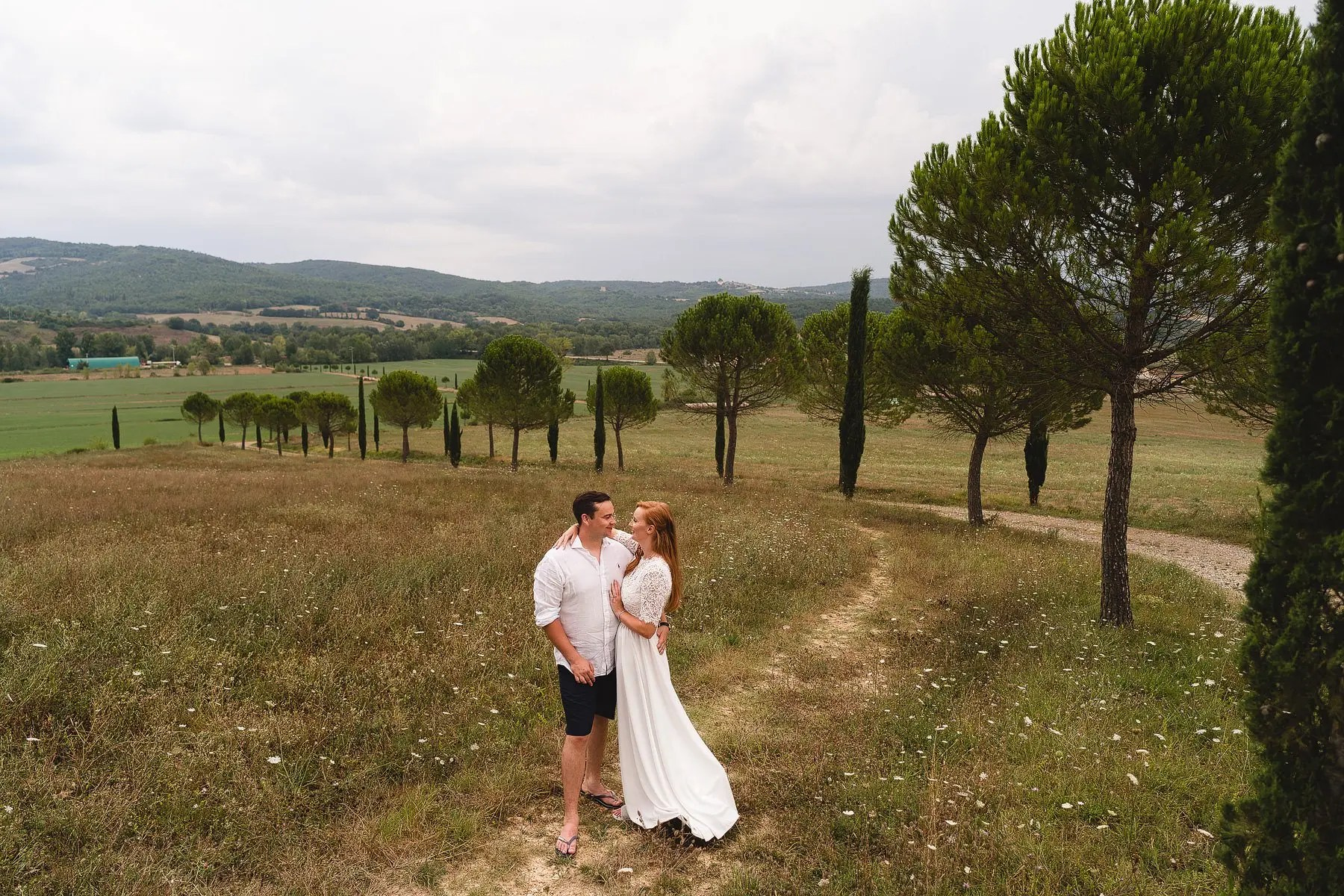 a wedding at san galgano abbey in tuscany