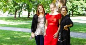 Opiskelijaryhmässä oli mukana energia- ja ympäristötekniikan opiskelijoita. Heistä kuvassa ovat vasemmalta Miia Heinonen, Katriina Mannonen ja Sanna Kopra-Virtanen. Kuva: Kristiina Korpelainen