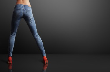 You had your run, Skinny Jeans, but this mom and her granny-panties are embracing the return of boot cut.