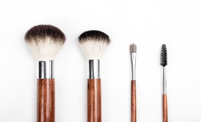 Your Bacteria-Laden Makeup Brushes Could Actually Be Aging You and Making You Sick