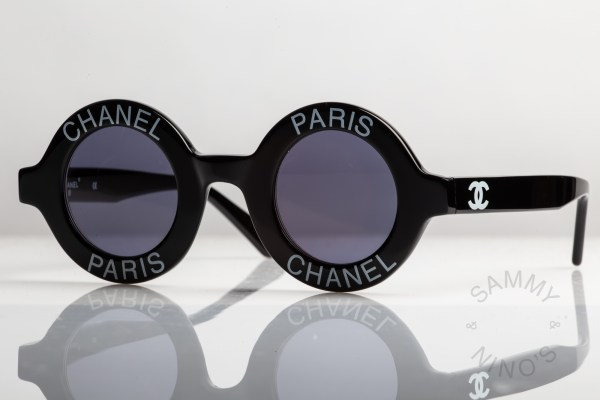 round-chanel-sunglasses-vintage-01945-1993-ss-runway-3