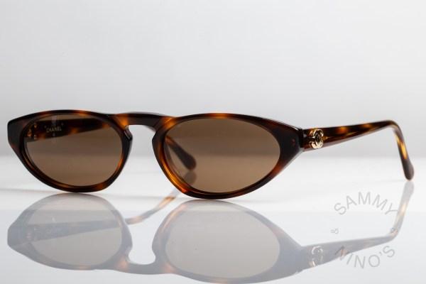 skinny-chanel-sunglasses-vintage-0007-90s-1