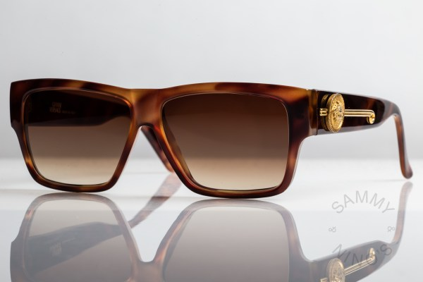 gianni-versace-vintage-sunglasses-372dm-2