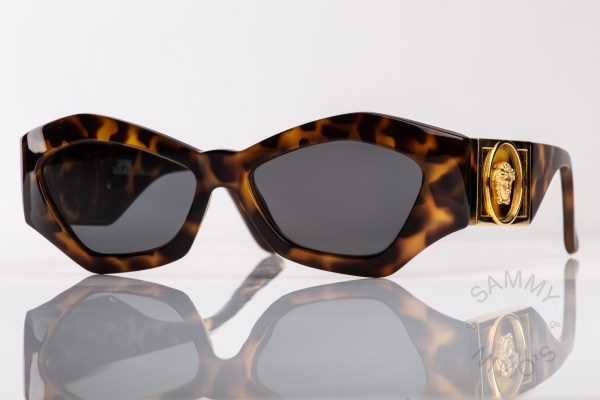 vintage-versace-sunglasses-421b-90s-1