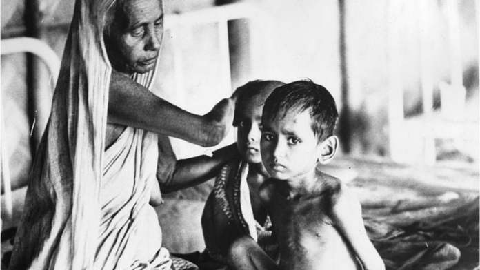 116892687gettyimages3360908 ১৯৭১ এ যুদ্ধের সময় ভারতে শরণার্থী ক্যাম্পের জীবন কেমন ছিল?