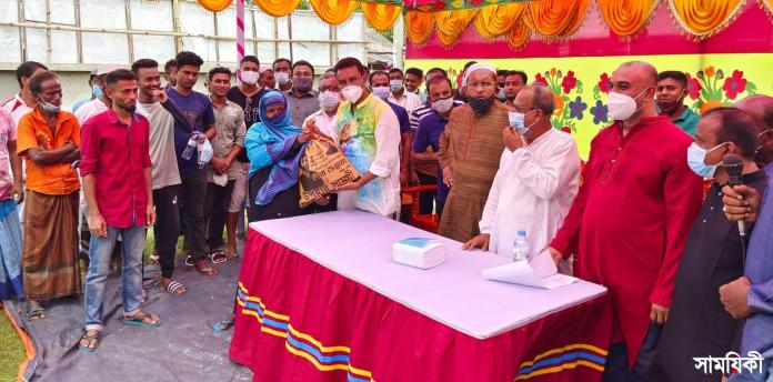 IMG 20210712 WA0004 2 রামপালে শেখ তন্ময়ের পক্ষ থেকে দুই শতাধিক হতদরিদ্র পরিবারের মাঝে ত্রাণ সামগ্রী বিতরণ
