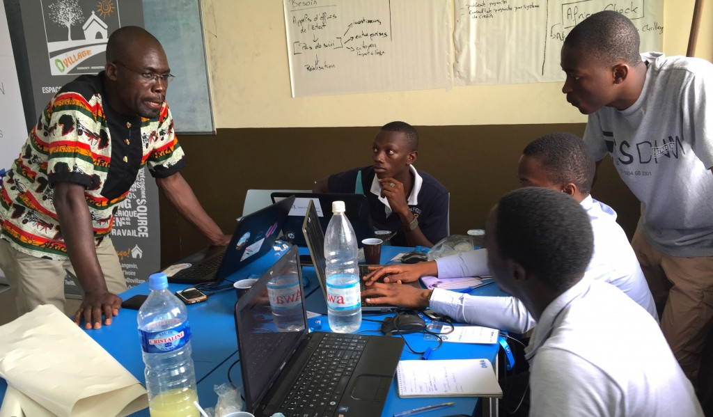 Photo-PhCouve_hackathon-conference-medias-abidjan-avril2015-8801