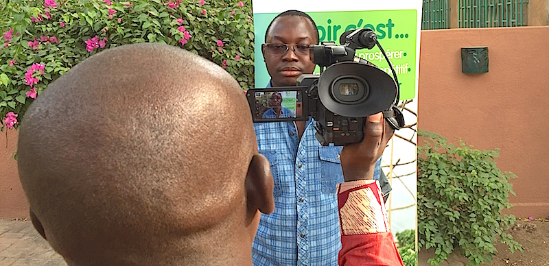 Inoussa Maïga is recording one of the video presentations of Agribusiness TV.