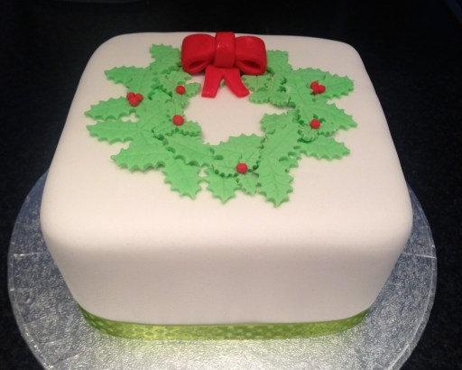christmas-fruit-cake-holly-wreath-bow
