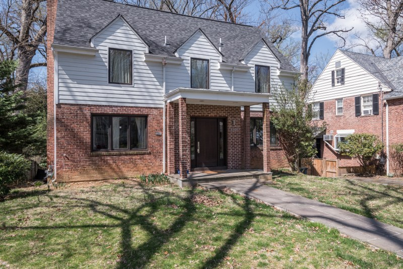 Great lower level space to rent in the Town of Chevy Chase available ASAP (Early September)!