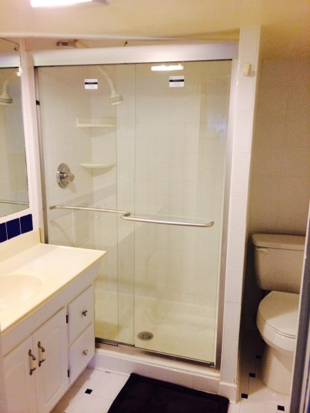 ***spacious room with private bath Bethesda ***