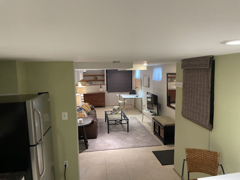 Furnished English style basement apartment / close to metro / NIH in quiet Bethesda neighborhood.
