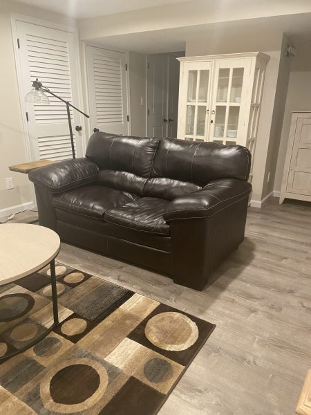 A beautiful completely renovated bedroom basement apartment/walk or bike to NIH
