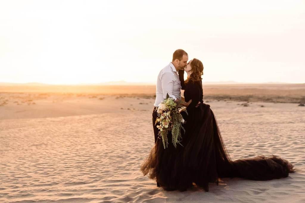 Adventure Elopement Photographer, Christmas Valley Sand Dunes, Adventure Elopement Photography, Oregon, Pacific Northwest, Desert elopement, black wedding dress