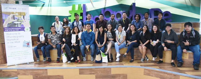 Lifestyle bloggers together with team members from TELUS International Philippines during the Phonetography in the West workshop in TELUS McKinley West 1