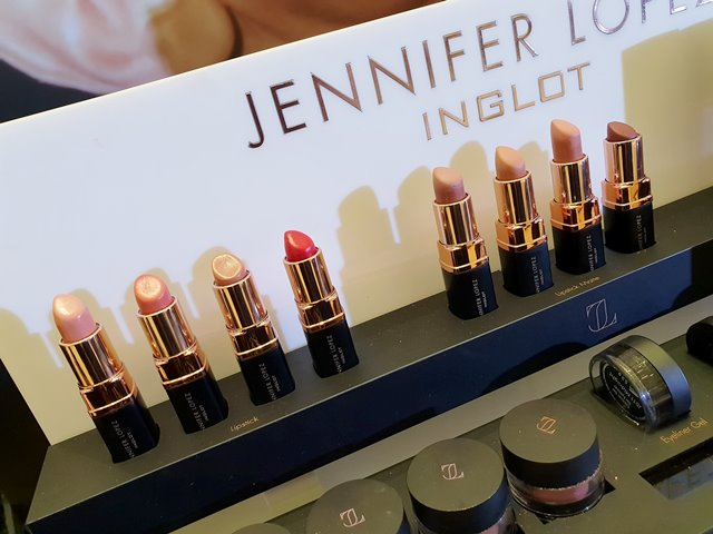 70-piece Jennifer Lopez X Inglot Collection #GlowLikeJLo