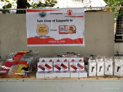 Save the Children Philippines' turnover of donations to the recipients in Navotas City