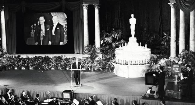 Oscar Ödüllerinin televizyonda ilke kez 1953 yılında yayımlanmıştır.