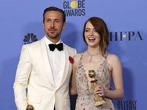 74. Altın Küre Ödülleri'ne, 6 dalda ödül kazanan, başrollerini Emma Stone ve Ryan Gosling'in paylaştığı La La Land (Aşıklar Şehri) damgasını vurdu.