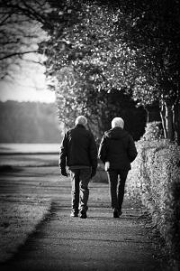 Inhibidores de la Fosfodiesterasa 5: seguridad en ancianos