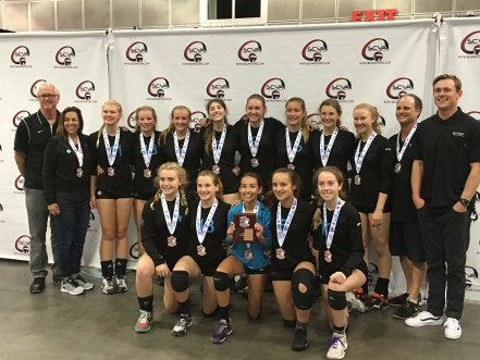 The San Clemente Volleyball Club girls 14-1s team qualified for the 2016 USA Volleyball Junior National Championships. Photo: Courtesy