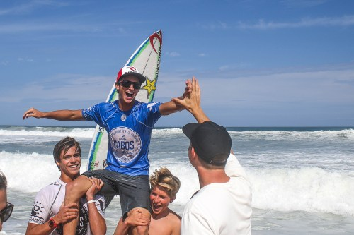 Crosby Colapinto riding on the shoulders of friends as he chalks up his first-ever WSL victory in Cabo San Lucas last week. Photo: WSL