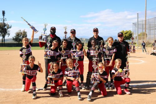Rampage 10U Softball wins Memorial Day Tournament.