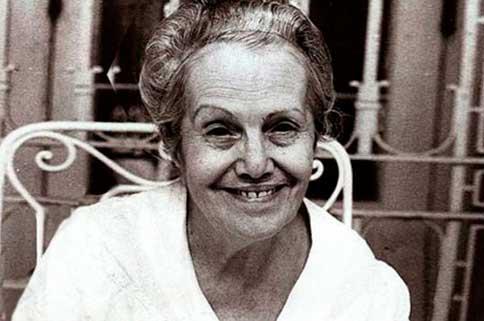 Dulce María Loynaz vive en su Isla