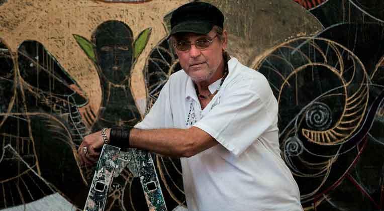 Moisés Finalé: cuarenta años de vida artística