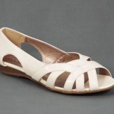Sandale dama bej lac toc 2 cm Vety