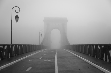 Pont Masaryk in Lyon on a foggy December day.