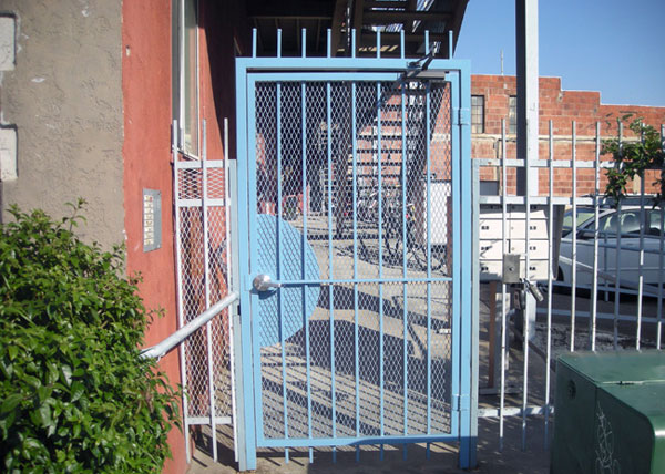 G33 At The Entrance To A Downtown San Go Apartment Complex This Style Of Gate Is Built For Maximum Security With 2 Sq Jamb