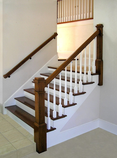 San Diego Railings And Stairs – Two Tone Post To Post Staircase | Two Tone Stair Railing | White | Indoor | Antique | Mansion | Country Style