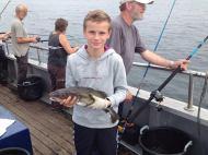 dreng med torsk